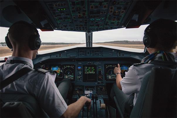 国泰航空下周关闭澳洲基地  121名澳洲飞行员或失业