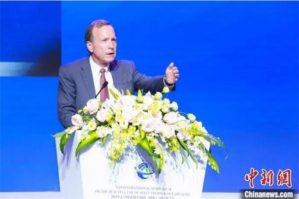 东西问·中美对话|老布什之子:美国该如何正确应对中国崛起?